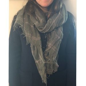 Accessories - Green sheer scarf